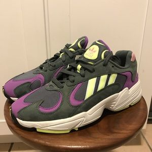 NEW ADIDAS YUNG-96 SNEAKERS SIZE 9